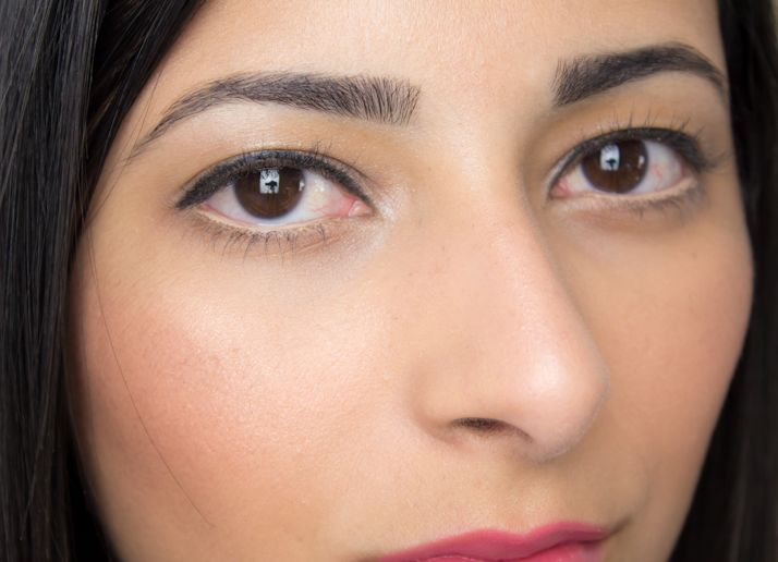 13 Makeup Tricks To Make Small Eyes Look Bigger Cashkaro Blog