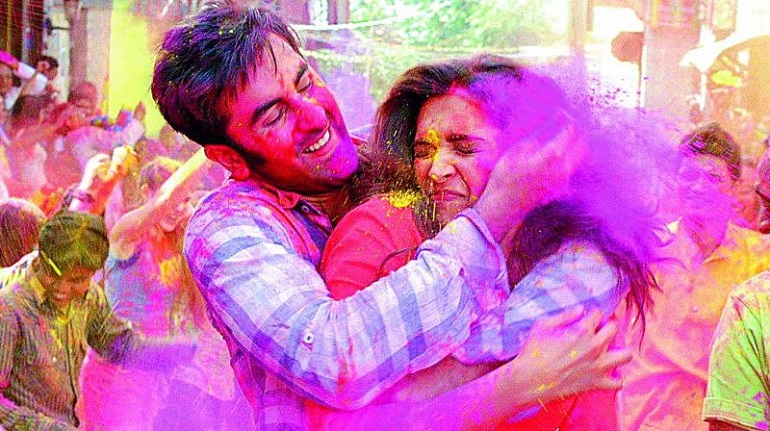 Quiz: Which Color Clothes Should You Wear This Holi?